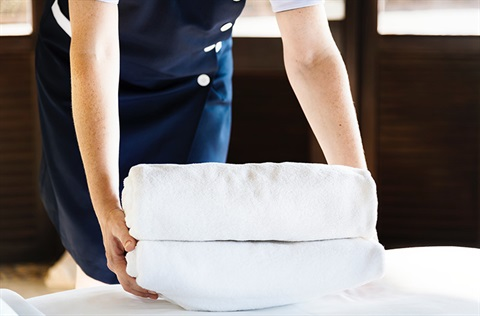 housekeeping with towels