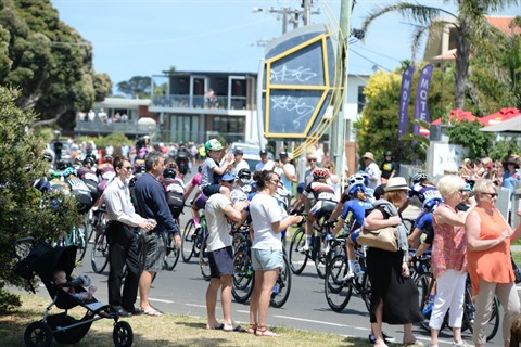 Cadel cycling spectators.JPG